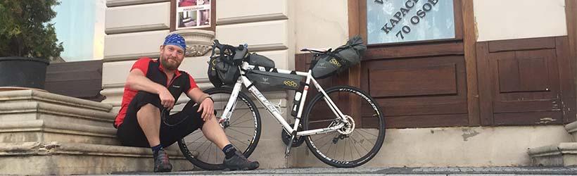 Tom Ivar med sykkel